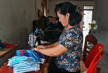 The Women's Skills Training Center of Huria Kristen Indonesia (HKI) helps low-income and at-risk women find ways to increase family income through sewing. Photo: BLK HKI/Rumah Eco-Theology