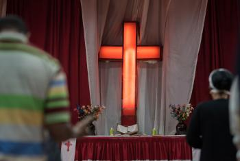 Congregants gather in prayer at the Finfinne Oromo Mekane Yesus Congregation of the Ethiopian Evangelical Church Mekane Yesus on the first Sunday following the unrest in Ethiopia, which also affected Mekane Yesus members directly. Photo: LWF/Albin Hillert