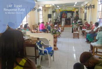In one of its COVID-19 response activities, the Cuban Lutheran church organized a community lunch for 320 people including members of the congregations of Cristo Vive, Cristo Redentor, Nuestro Salvador and Aposento Alto. Photo: UECCLS